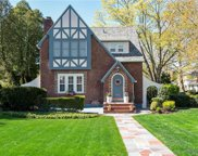 15 Wiltshire Place, Bronxville image