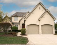 41 Forest Gate Circle, Oak Brook image