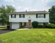 4962 Apple Dr  Drive, Reading image