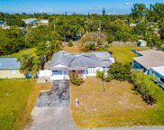 611 Nw 39th St, Oakland Park image