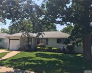 898 Barry Dr, Valley Stream image