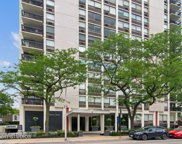 1455 N Sandburg Terrace Unit #1802, Chicago image
