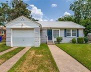 5224 Stoneleigh Avenue, Dallas image