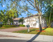 2522 Bay Pointe Ct, Weston image