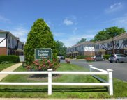 2050 B Lakeview Rd, Bellmore image