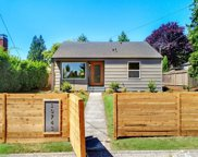 10743 Fremont Ave N, Seattle image