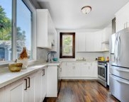 628 Hurlingame Ave, Redwood City image
