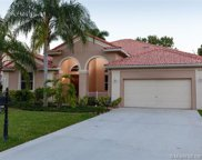 3809 N Heron Ridge Ln, Weston image