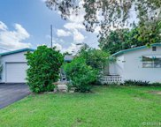 421 Sw 70th Ter, Pembroke Pines image