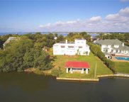 69 W Bayberry Rd, Islip image