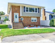 12 August  Avenue, Bayville image