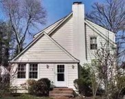 7 Cary Rd, Great Neck image