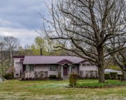118 Lakeview Dr, Hendersonville image