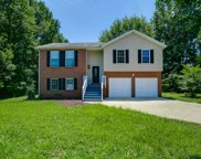 301 Meadow Brook Ln, White House image