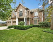 931 Queens Lane, Glenview image