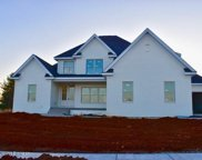 7499 Edith Way, Crestwood image