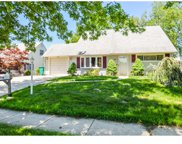 34 Mayflower Road, Levittown image