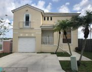 3137 S Cape Cir, Margate image