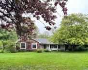 42 Woodfield  Road, Stony Brook image