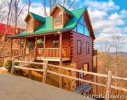 2138 Loafers Glory Way, Gatlinburg image