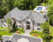 786 Muttontown Woods Ct, Muttontown image