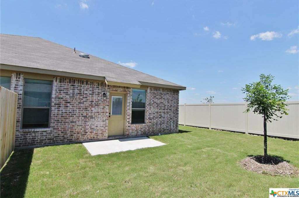 725 creekside circle new braunfels 78130 for Creekside new braunfels