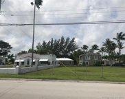 8712 Byron Ave, Surfside image