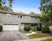 570 Amherst  Drive, Woodmere image