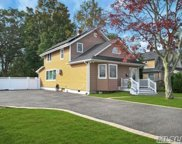30 Bowers  Court, Smithtown image