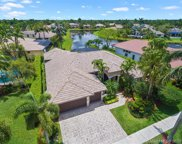 2502 Montclaire Cir, Weston image