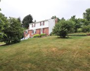 450 Oaklawn Dr, Upper St. Clair image