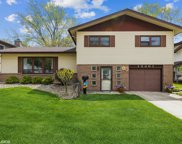 15201 Oxford Drive, Oak Forest image