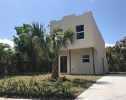 3813 Pinewood Avenue, West Palm Beach image