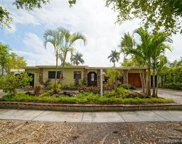 2120 Alamanda Dr, North Miami image
