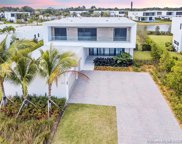 16570 Sunset Way, Weston image