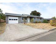 137 LAKEWOOD  CT, Roseburg image