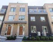 22 Applewood Lane Unit 33, Toronto image