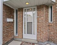 15 Thimble Berryway Bywy, Toronto image