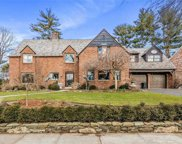 10 Somerset S Drive, Great Neck image