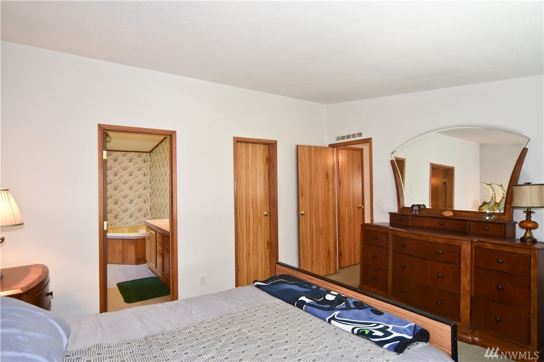 closets for small bedrooms mls 1188586 14834 se 270th st kent seattlehome 14834
