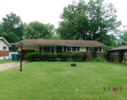 9709 Edgefield, St Louis image