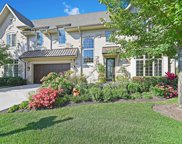 10 Willow Crest Drive, Oak Brook image