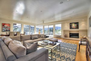 100 Via Milpitas Carmel Valley living room