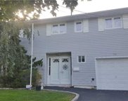 750 Gardiners Ave, Levittown image