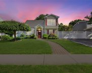 21 Lilac Ln, Levittown image