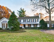 75 West Alden Lane, Lake Forest image