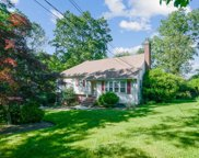 1060 Lawrence Ave, Westfield Town image