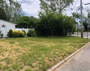 345 Brentwood  Parkway, Brentwood image