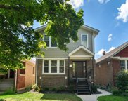 2529 West Cullom Avenue, Chicago image
