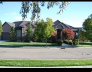 1049 W Pheasant Tail Dr, Bluffdale image